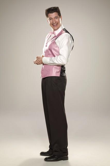 Una foto promozionale di Ken Marino per la serie TV Party Down