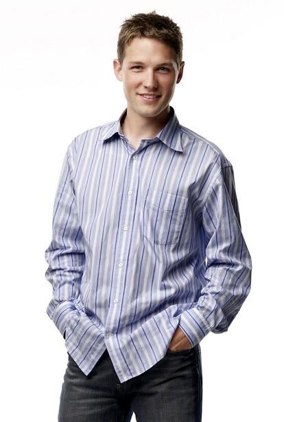 Michael Cassidy è Charlie in nel serial tv Privileged