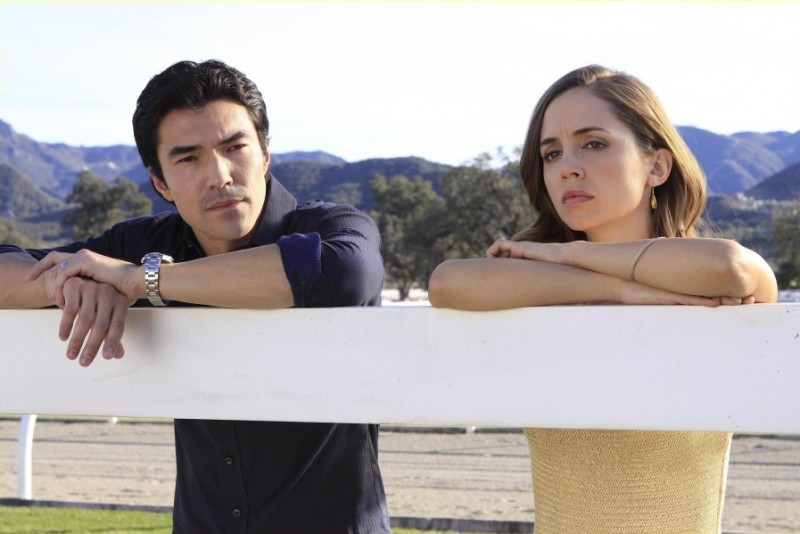 Eliza Dushku ed Ian Anthony Dale in una scena dell'episodio Haunted di Dollhouse