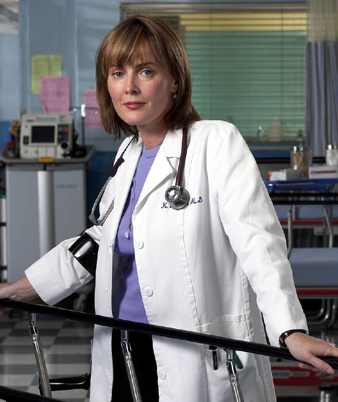 Laura Innes è la dottoressa Weaver in E.R - Medici in prima linea