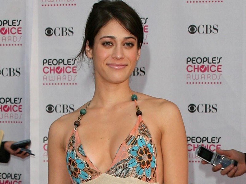 Lizzy Caplan ai People\'s Choice Awards