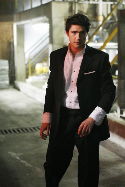 Matt Dallas in un momento dell'episodio ' It happened one night ' della terza stagione di Kyle XY