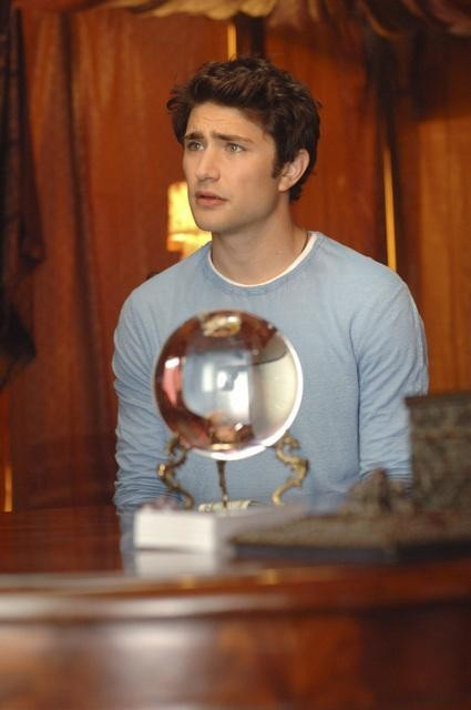 Matt Dallas in una scena dell'episodio 'Psychic Friend' della serie tv Kyle XY