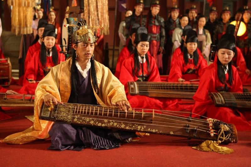 I protagonisti del film sudcoreano A Frozen Flower, del 2008