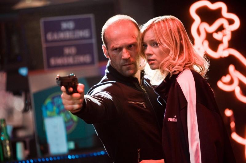 Jason Statham e Amy Smart in una scena del film Crank 2: High Voltage