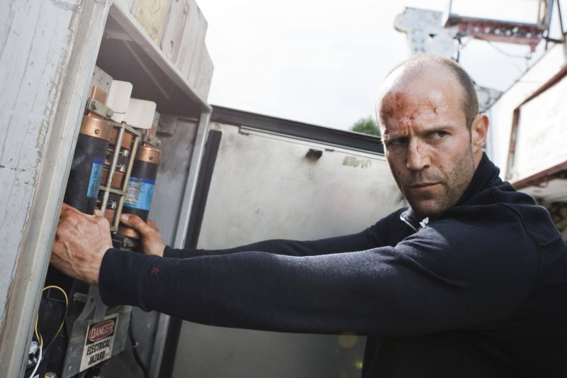 Jason Statham è Chev Chelios nel film Crank 2: High Voltage