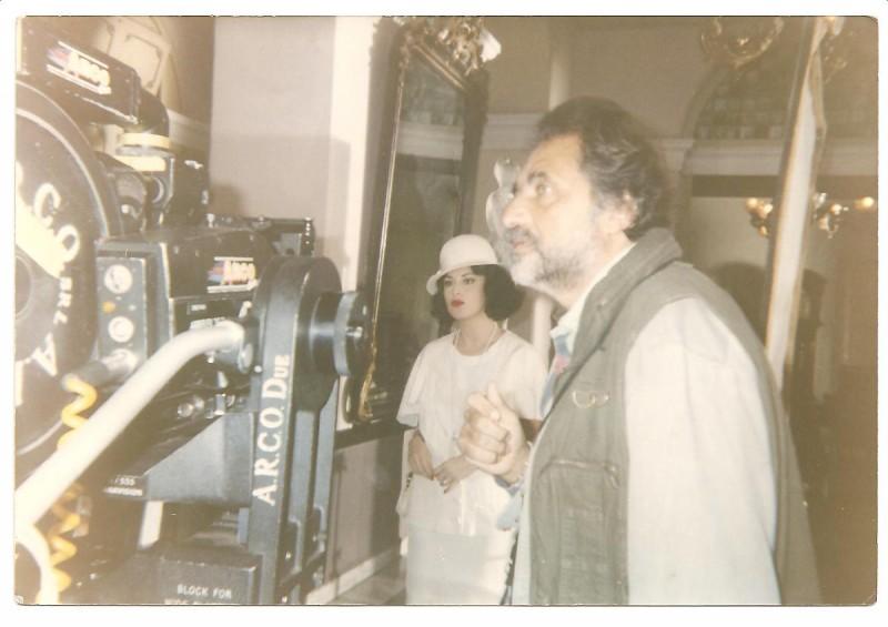 Letizia Raco (in fondo) sul set del film La Rumbera