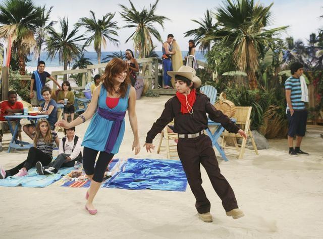 Moises Arias in una scena dell'episodio Knock Knock Knockin' on Jackson's Head di Hannah Montana