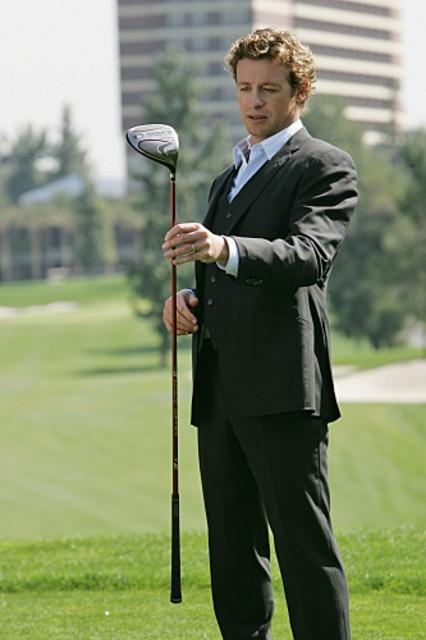 Simon Baker in una scena dell'episodio Red Sauce di The Mentalist