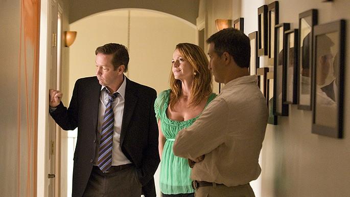 D.B. Sweeney e Clare Carey in una scena dell'episodio 'Contatti fisici' della serie tv Crash