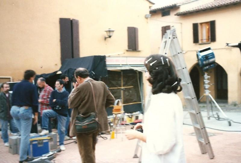 Letizia Raco (di spalle) sul set di uno spot diretto da Salvatores.