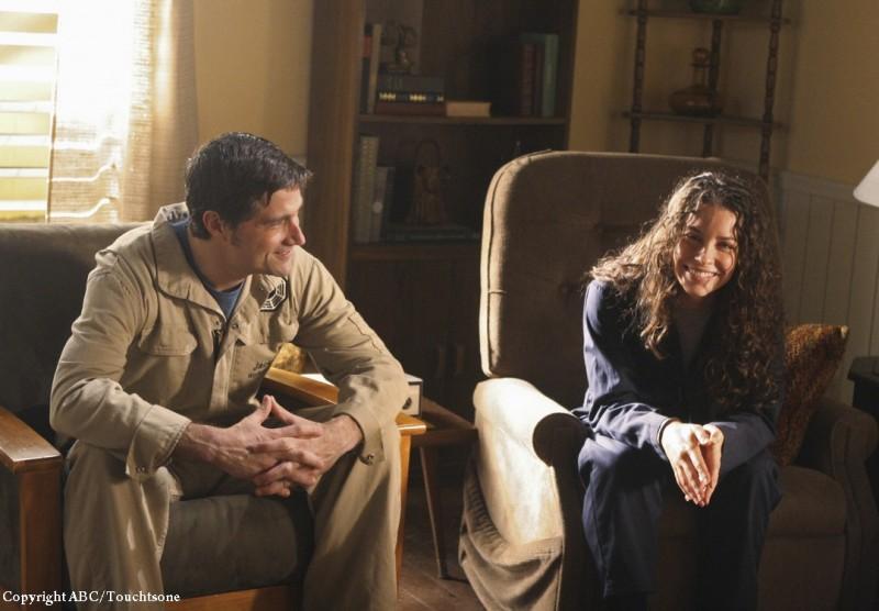 Matthew Fox ed Evangeline Lilly in una scena dell'episodio The Variable di Lost