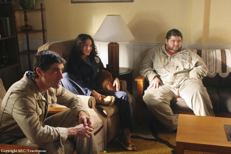 Matthew Fox, Jorge Garcia ed Evangeline Lilly in una scena dell'episodio The Variable di Lost