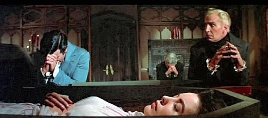 Vincent Price con Myrna Fahey e Mark Damon in una scena de I vivi e i morti