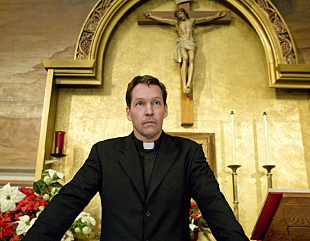 D.B. Sweeney in una scena dell'episodio 'The Miracle Job' della serie tv Leverage.