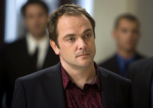 Mark Sheppard in una sequenza dell'episodio ' The Second David Job ' della serie tv Leverage
