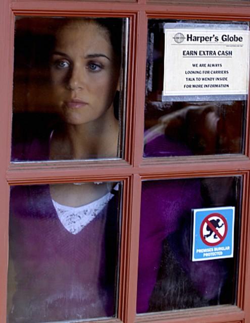 Melanie Merkosky in una scena dell'episodio Crackle della serie Harper's Island