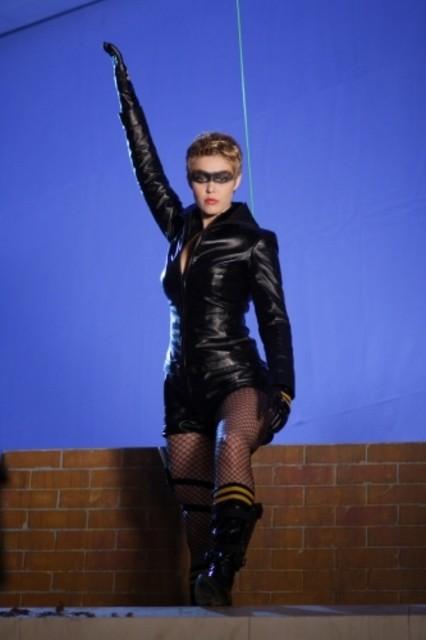 Alaina Kalanj sul set dell'episodio ' Urlo ultrasonico ' della serie tv Smallville