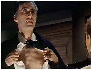 Christopher Lee e Barbara Shelley (seminascosta) in una scena di Dracula principe delle tenebre