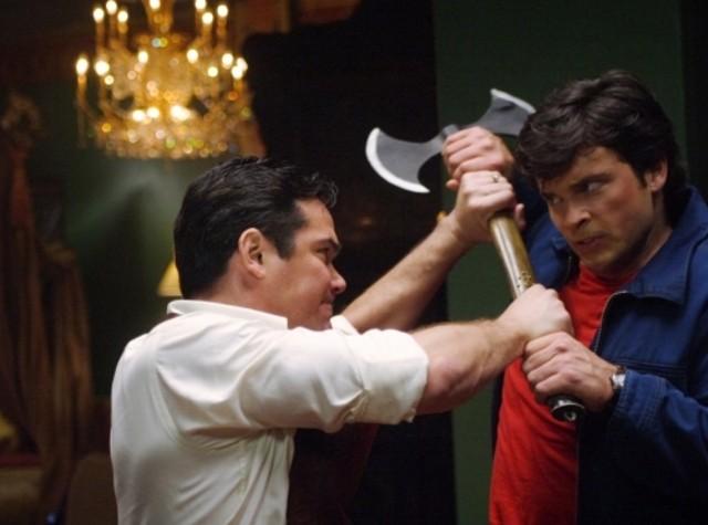 Dean Cain lotta con Tom Welling nell'episodio ' Il prezzo dell'immortalità' della settima stagione di Smallville