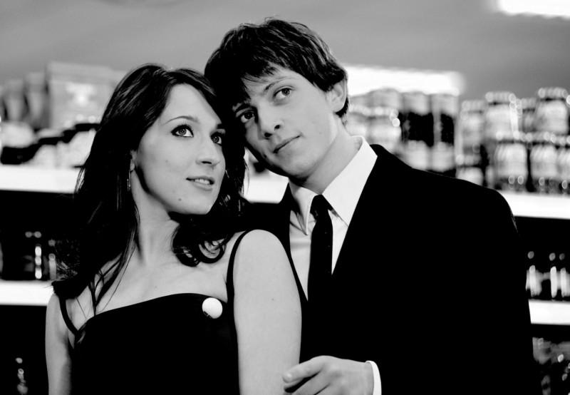 Elisa Sensi e Marco Martini in una immagine promo di IN THE MARKET