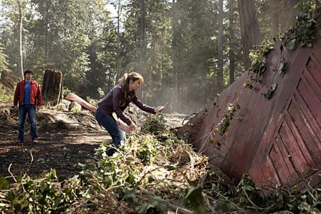Erica Durance insieme Tom Welling nell'episodio ' La ragazza di Krypton ' della settima stagione di Smallville