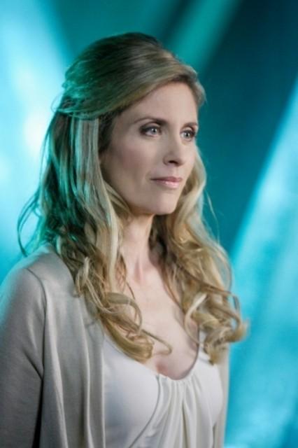 Helen Slater in un momento dell'episodio ' L'anello Blu ' della settima stagione di Smallville