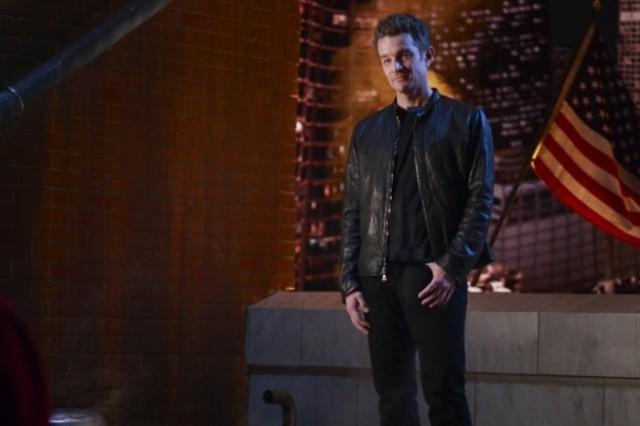 James Marsters in una scena d'azione dell'episodio ' Veritas ' della settima stagione di Smallville