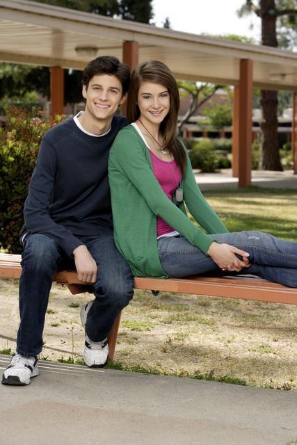 Kenny Baumann e Shailene Woodley in una foto promozionale de La vita segreta di una teenager americana