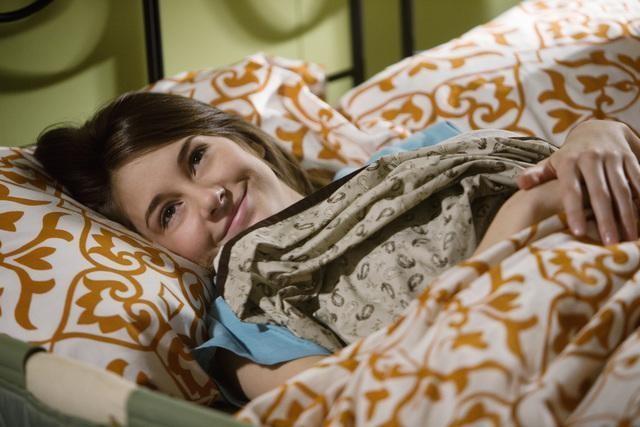 Shailene Woodley nell'episodio And Unto Us, a Child Is Born di La vita segreta di una teenager americana
