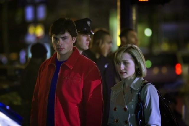 Tom Welling ed Allison Mack nell'episodio ' Il medaglione del potere ' della serie tv Smallville