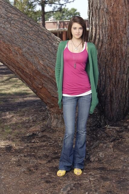 Una foto promozionale di Shailene Woodley per la serie La vita segreta di una teenager americana