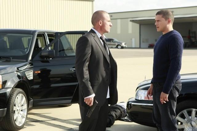 Wentworth Miller e Dominic Purcell in una scena dell'episodio Vs. di Prison Break