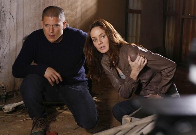 Wentworth Miller e Sarah Wayne Callies in una scena dell'episodio The Mother Lode di Prison Break