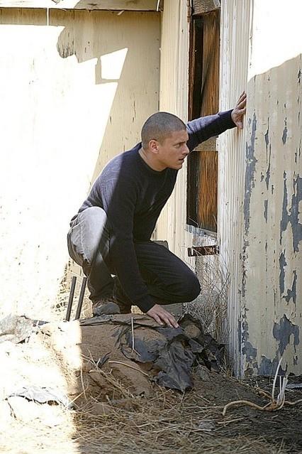 Wentworth Miller in una scena dell'episodio The Mother Lode di Prison Break