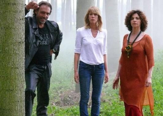 Alessia Marcuzzi e Anna Galiena sul set del film tv Un amore di Strega