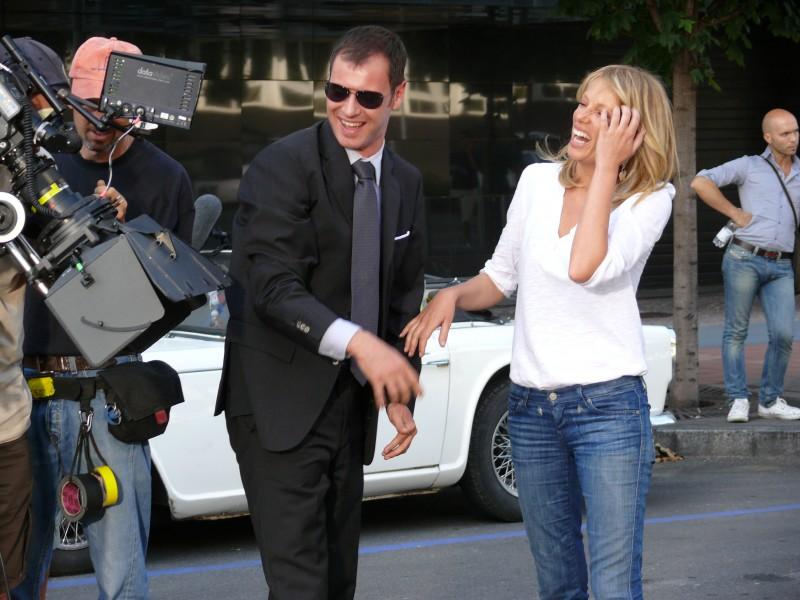 Alessia Marcuzzi scherza sul set del film tv Un amore di Strega
