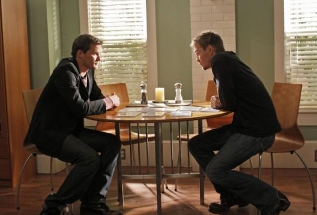 Austin Nichols e Chad Michael Murray in una scena dell'episodio We Change, We Wait di One Tree Hill