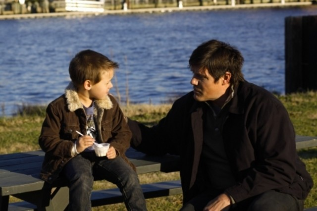 Jackson Brundage e Paul Johannson in una scena dell'episodio Searching for a Former Clarity di One Tree Hill