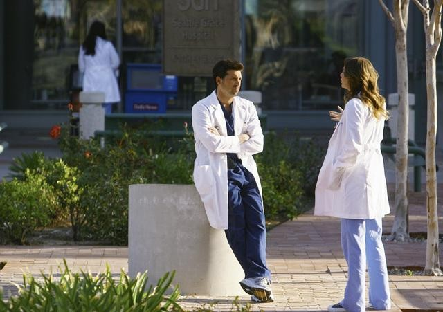 Patrick Dempsey ed Ellen Pompeo in una scena dell'episodio No Good At Saying Sorry di Grey's Anatomy