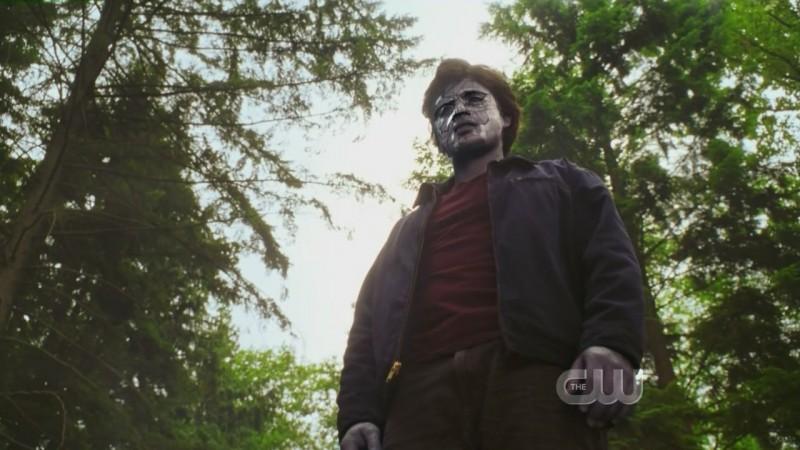Tom Welling in una scena dell'episodio 'Il sole giallo' della settima stagione di Smallville