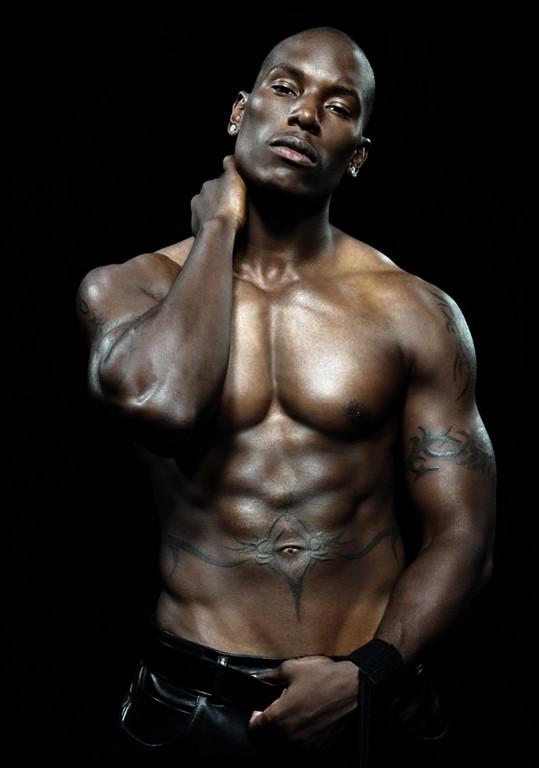 Tyrese Gibson a torso nudo