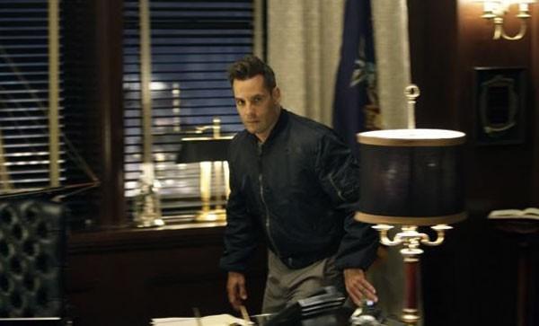 Adrian Pasdar in una scena di I Am Sylar della terza stagione di Heroes