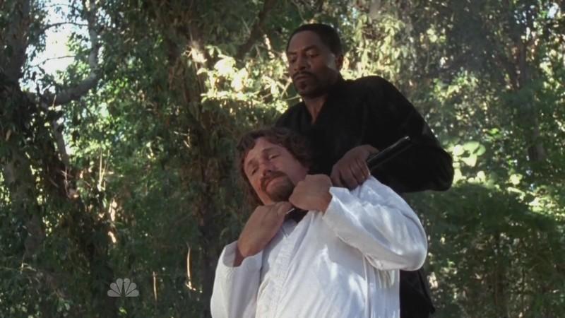 Carl Lumbly impartisce una lezione al suo allievo, Adam Baldwin, nell'episodio 'Chuck Versus the Sensei ' della serie televisiva Chuck
