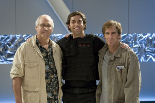 Chevy Chase, Zachary Levi e Scott Bakula nell'episodio 'Chuck Versus the Dream Job' della serie tv Chuck