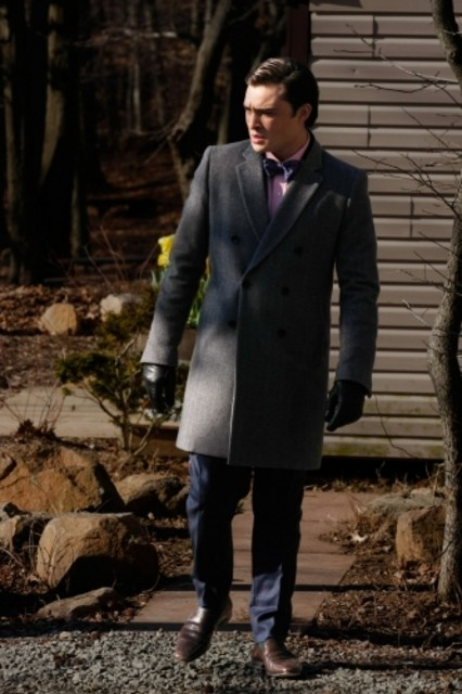 Ed Westwick in una scena dell'episodio Southern Gentlemen Prefer Blondes di Gossip Girl