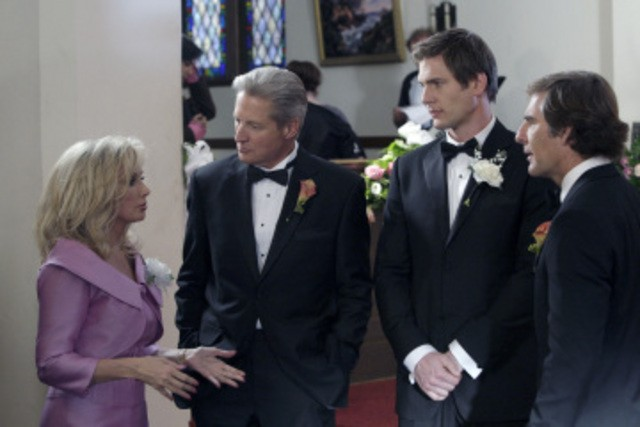 Morgan Fairchiled, Bruce Boxleitner e Scott Bakula in un momento sul set dell'episodio 'Chuck Versus The Ring' della serie tv Chuck