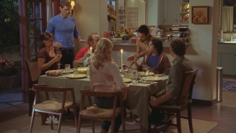 Una cena in famiglia nell'episodio ' Chuck Versus the Gravitron ' della seconda stagione di Chuck