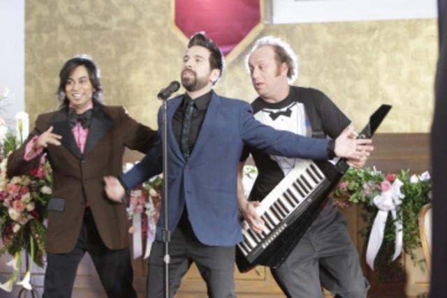 Vik Sahay, Joshua Gomez e Scott Krinsky  in un momento sul set dell'episodio 'Chuck Versus The Ring' della serie tv Chuck