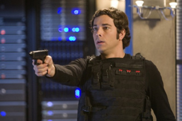 Zachary Levi in una sequenza dell'episodio 'Chuck Versus the Dream Job' della serie tv Chuck